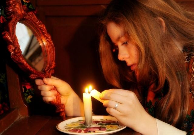 Гадания в Сочельник: как узнать свое будущее в ночь перед Рождеством